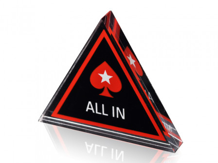 Dreieckiger Dealer Button mit Pokerstars Logo